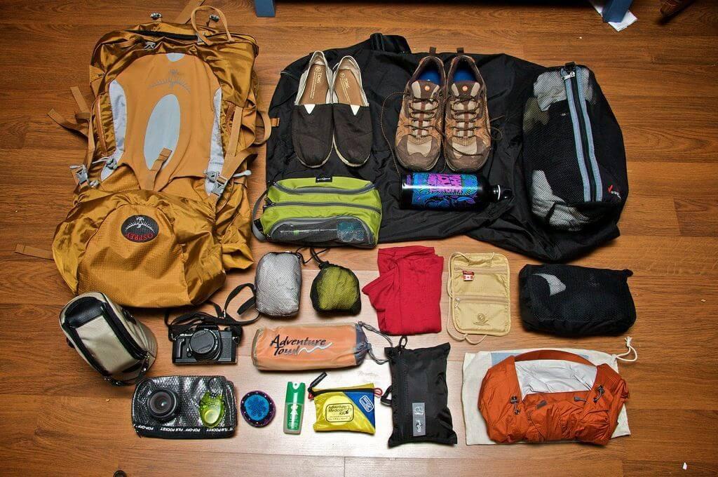 Trọng lượng của hành lý xách tay phải không quá 7 kg và không quá cồng kềnh