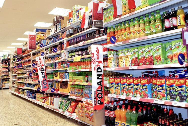 Nếu bạn nào ở Warsaw thì ra chợ hoặc siêu thị là mua được;các loại nguyên liệu nấu phở, lẩu